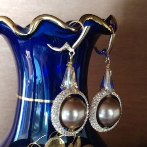 Jewelry - Taupe pearl and crystal gold filled earrings
